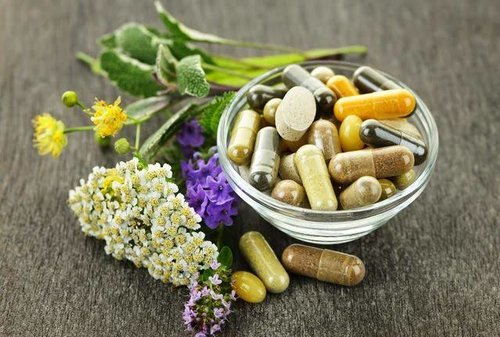 10 Herbal Supplements to Help Treat Insomnia
